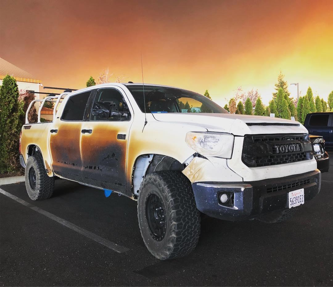Toyota reemplazará gratis la pick-up Tundra de un enfermero usada para evacuar a pacientes de terapia intensiva en el incendio de California
