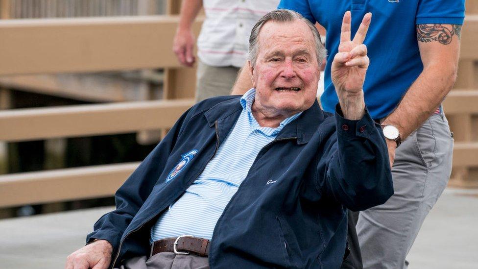 Los índices de aceptación de Bush padre en la presidencia alcanzaron el 90%.