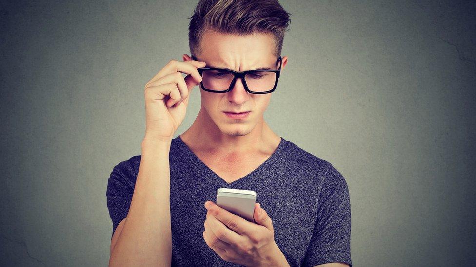 ¿Tiene fobia a hablar por teléfono? Esto es lo que te pasa