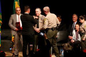 Video comprometedor de un sheriff  despedido, pero que luego fue recontratado