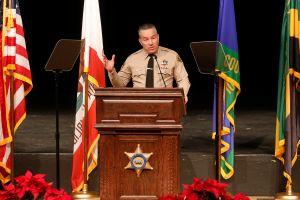 """""""Ya nos salimos del negocio de migración"""", dice el Sheriff de Los Ángeles"""