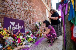Acusan de asesinato al neonazi que atropelló a personas en Charlottesville