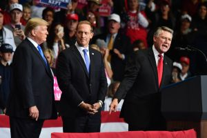 Demócratas no aceptarán al republicano Mark Harris en la Cámara tras fraude electoral