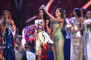 Miss Universo rompe su corona valorada en miles de dólares