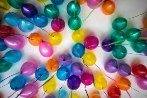Fotos: ¿Sexo con globos? Esta mujer disfruta hacer el amor con ellos