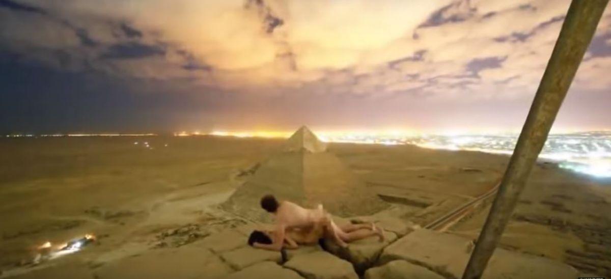 VIDEO: Pareja teniendo sexo en pirámide de Egipto desata un escándalo