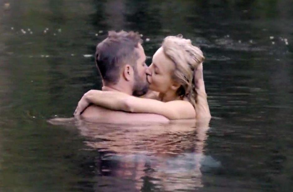 Angelique Boyer y Michel Brown hacen arder Univision con escena caliente en 'Amar a Muerte'
