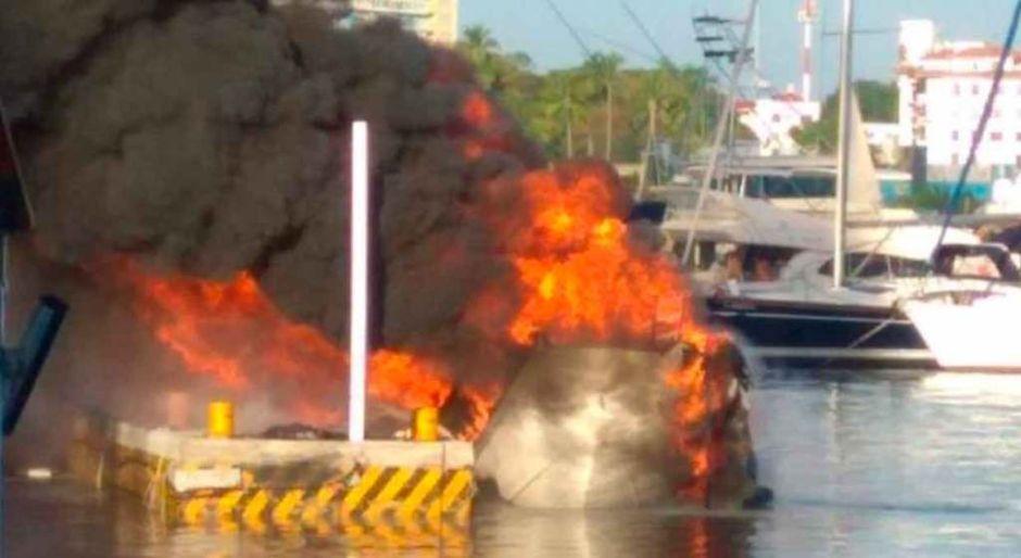 Se incendian dos embarcaciones en Acapulco