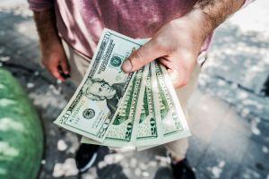 6 formas de ahorrar dinero en un seguro de auto