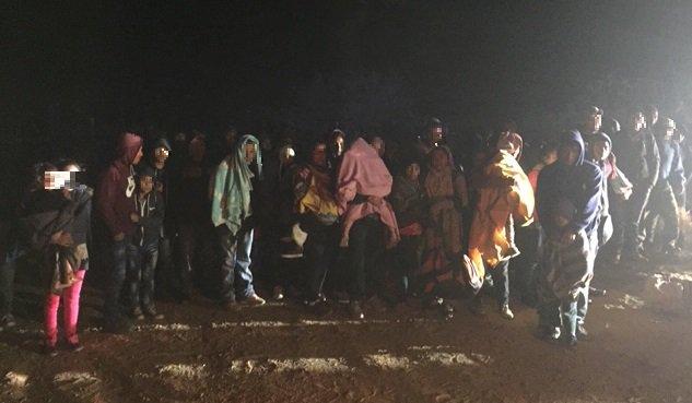 DHS da detalles de la muerte de niña guatemalteca en la frontera, y culpa a los padres