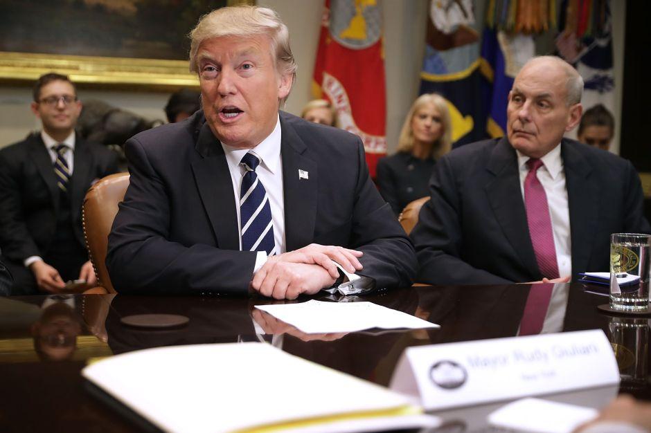 ¿Trump ordenó a su jefe de Gabinete a hacer algo ilegal?