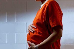Condado de Los Ángeles pondría fin al encarcelamiento de  menores embarazadas