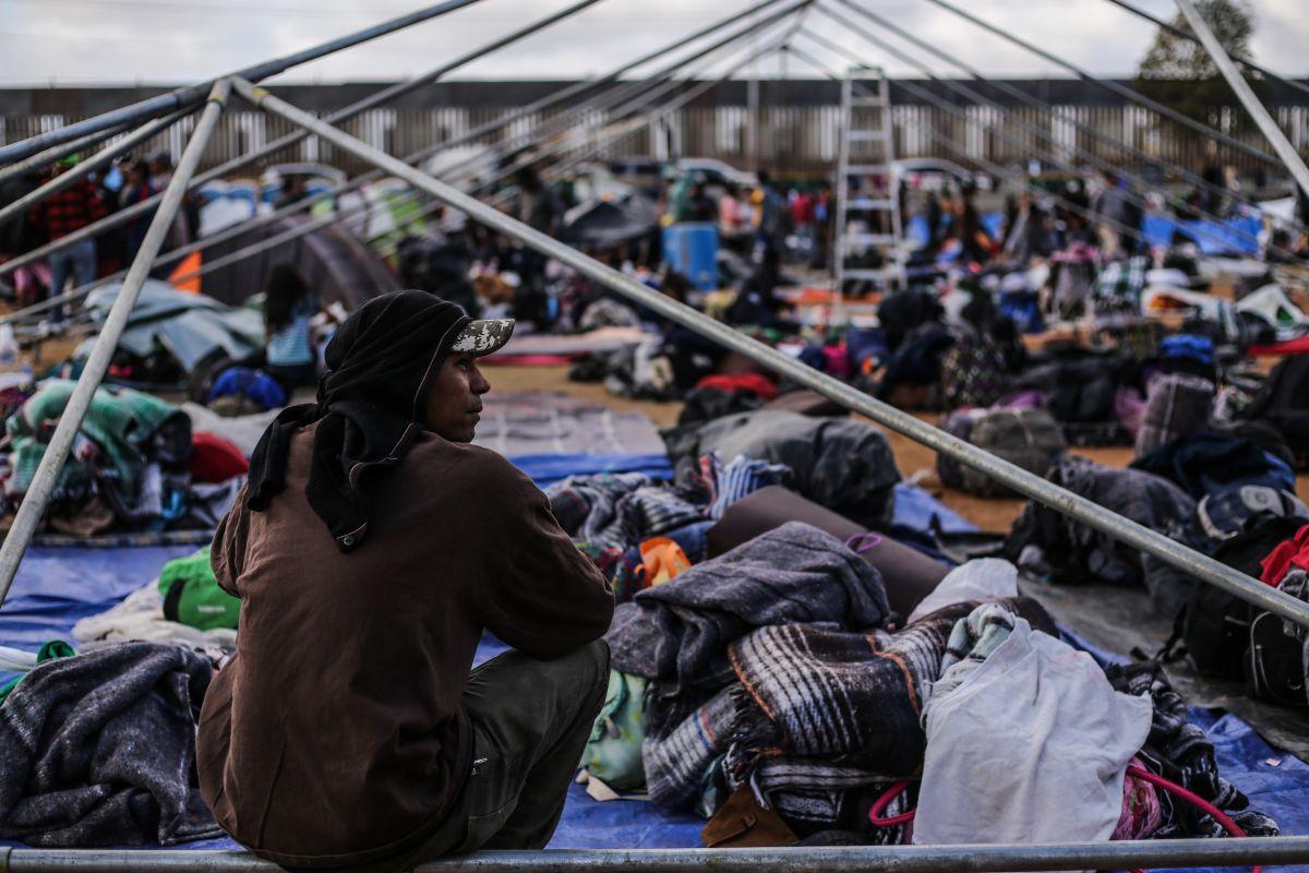 Más de 2,000 centroamericanos siguen varados en Tijuana.