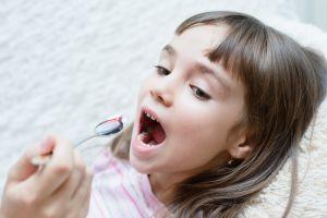 Antibióticos en exceso podrían provocar sobrepeso en niños