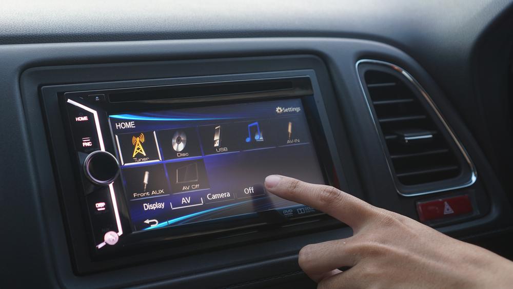 Los 4 mejores reproductores de música con pantalla para tu auto