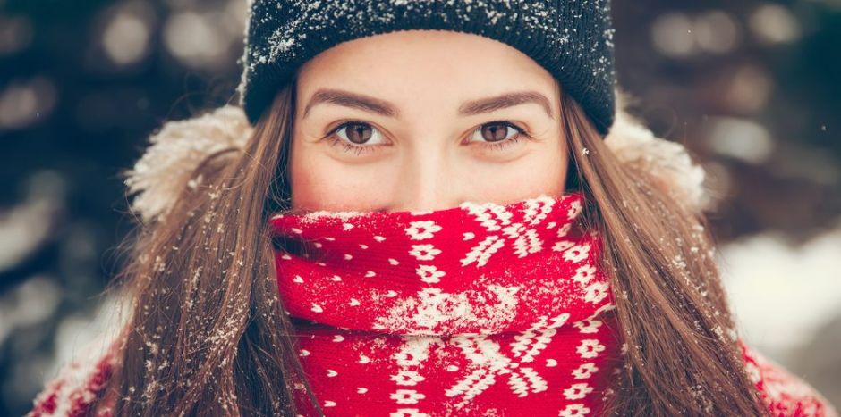 4 bufandas estampadas para lucir el espíritu navideño