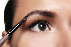 Consigue unas cejas perfectas con estos 4 productos