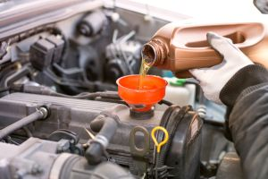 Has vaciado el aceite de tu auto incorrectamente todo este tiempo