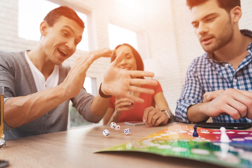 4 juegos de mesa clásicos perfectos para jugar en familia