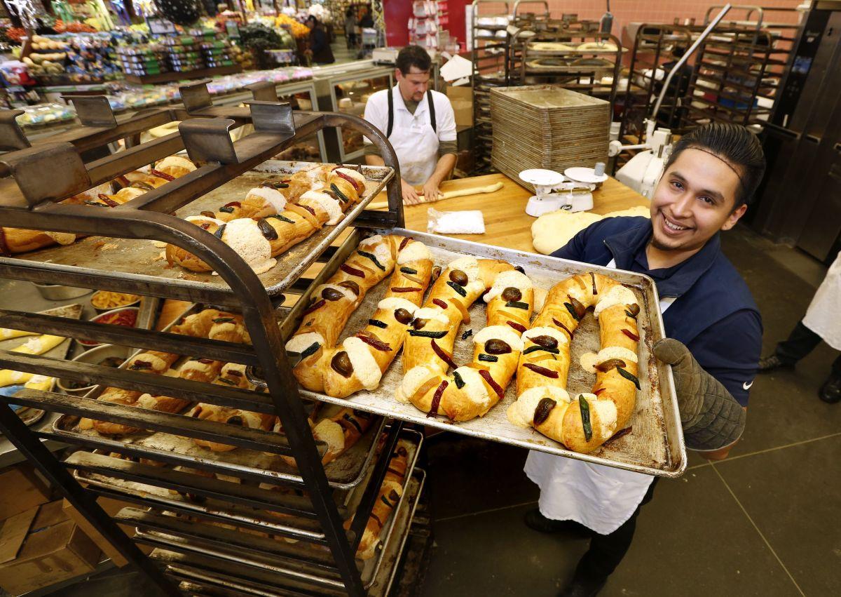 Cientos de roscas son vendidas durante este festividad. / foto: Aurelia Ventura.