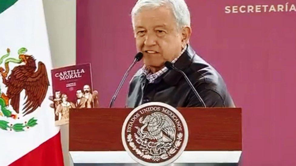 """""""Cartilla Moral"""": el polémico libro con el que AMLO quiere cambiar a México"""