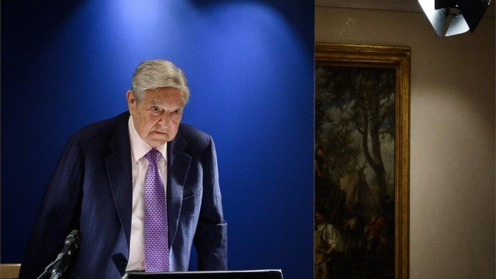 """George Soros ataca a China en Davos: """"Xi Jinping es un peligro para la libertad"""""""