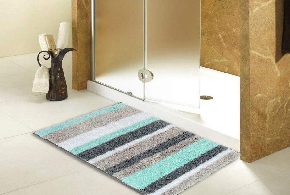 5 alfombras extra absorbentes de microfibra para colocar en tu baño y evitar que se abombe
