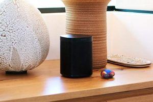 """Sonos demanda a Google por """"copiarle"""" su tecnología de altavoces inteligentes"""