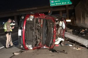 Madre e hija pierden la vida al chocar cuatro autos en Garden Grove