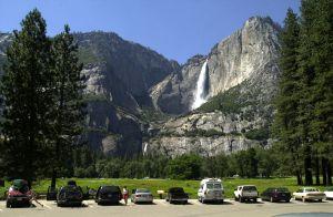 Excrementos y heces fecales se acumulan en Yosemite y otros parques nacionales por el cierre del Gobierno