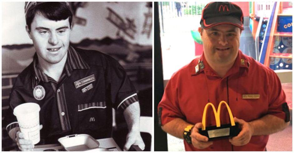 La increíble historia de empleado de McDonald's con Síndrome de Down que se retira después de 32 años