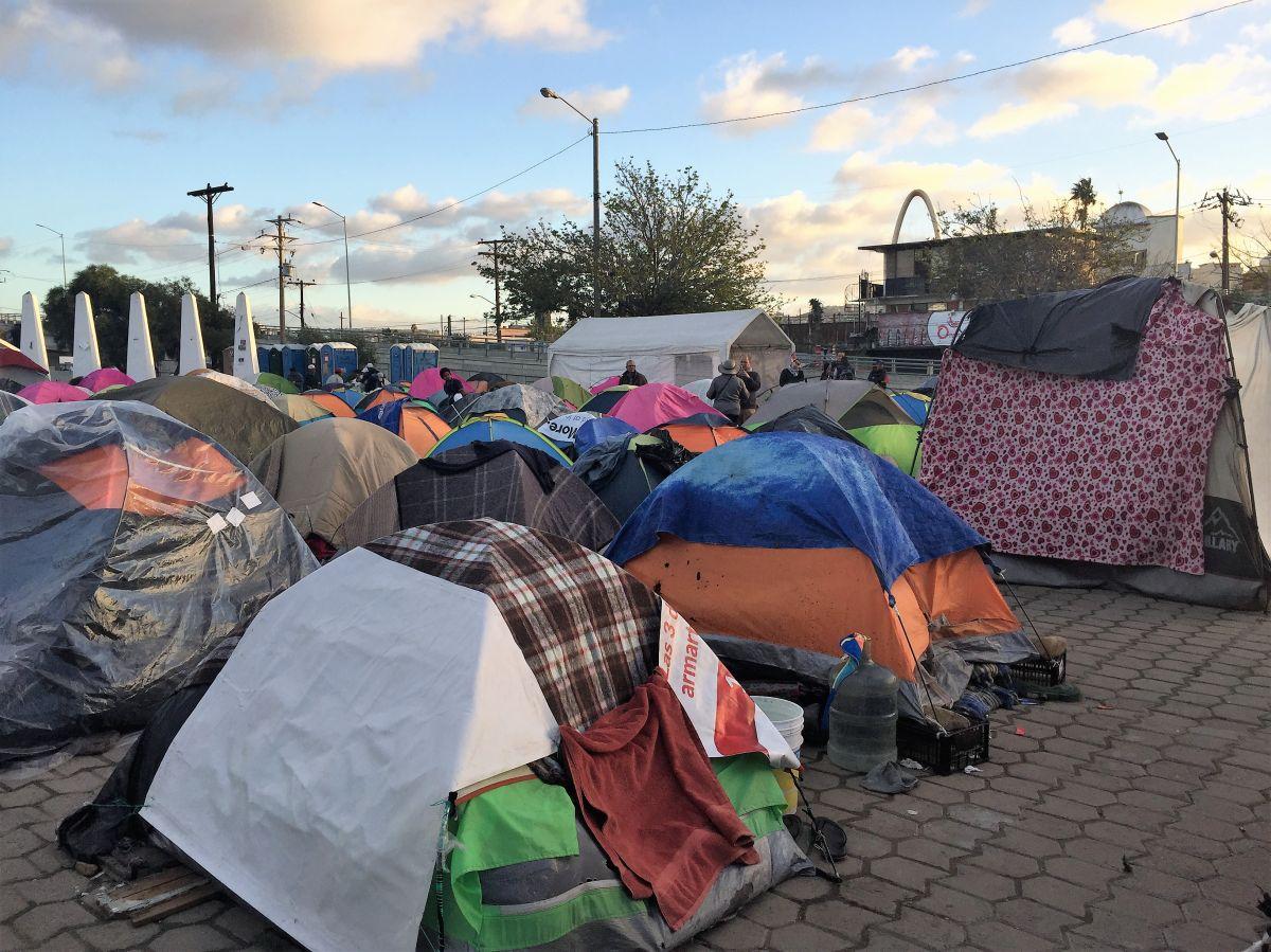 Los caravaneros en Tijuana quedarían en el limbo con nueva política de esperar asilo en México