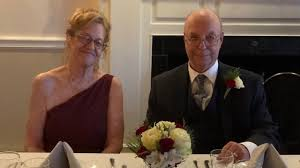 Fueron novios en la adolescencia, ahora se reúnen y se casan 57 años después