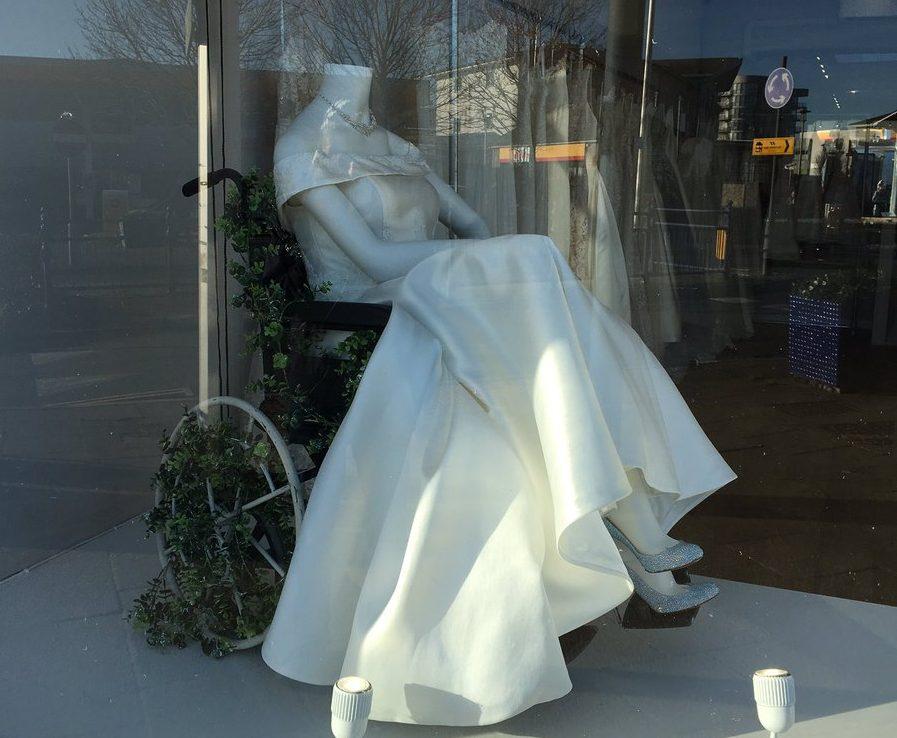 ¿Qué tiene en particular este vestido de novia que ha causado furor en redes sociales?