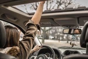 Las mujeres conducen mejor que los hombres, un estudio lo demuestra