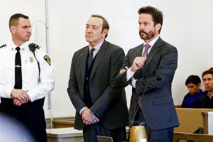 Kevin Spacey llega al tribunal para declarar sobre presunta agresión sexual