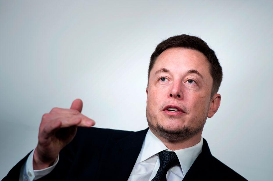 """Tesla anuncia miles de despidos debido a que sus autos """"son muy costosos"""""""