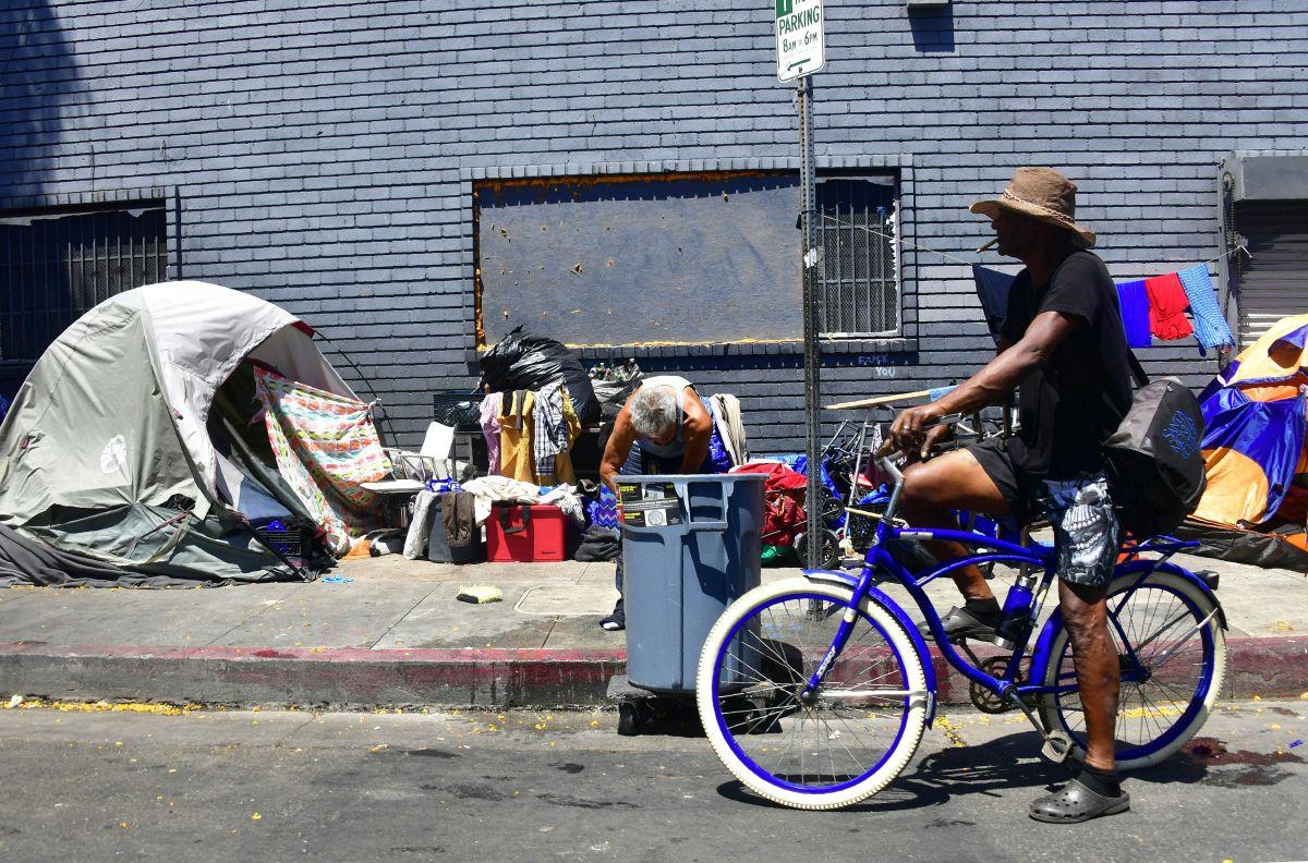 Refugios de invierno en el condado de Los Ángeles permanecerán abiertos hasta el 2 de enero