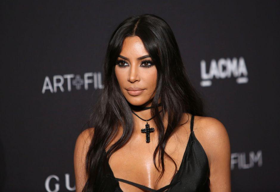 Kim Kardashian deja toda su ropa interior al descubierto, como Noelia