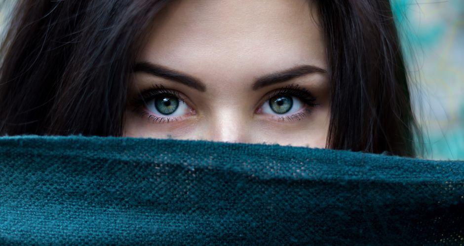 4 cosas que debes saber antes de darle color a tus cejas