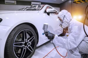 Usar una power washer para pintar tu auto es una idea terrible: mira el video