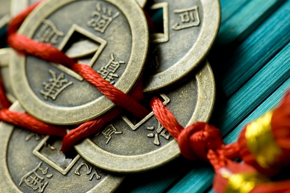 4 amuletos con monedas chinas para mantener la prosperidad en tu hogar
