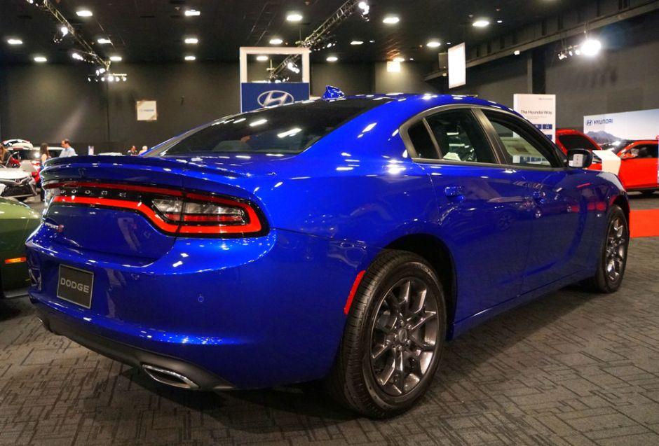 Dodge Charger 2019 vs la competencia ¿Con cuál te quedas?