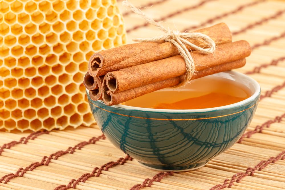 5 beneficios de consumir miel y canela a diario