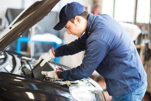 Cómo deshacerse del aceite de auto usado