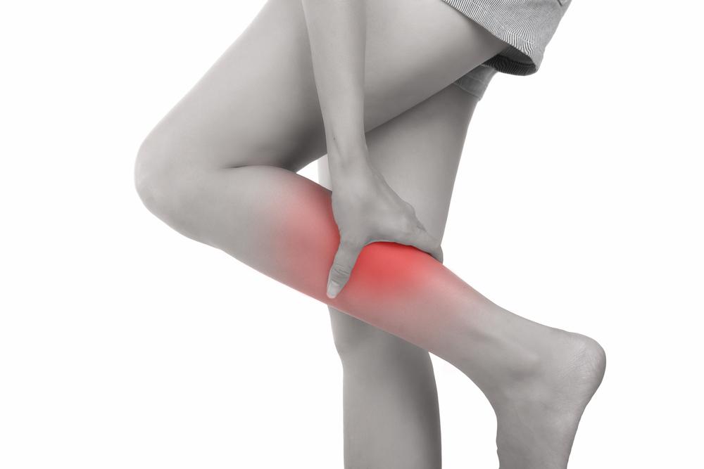 ¿Te duelen las piernas al caminar? Entérate si no sufres de enfermedad arterial periférica