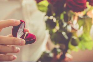 Padre gay se enamora del ex novio de su hija y le pide matrimonio