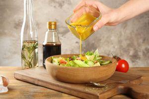 Dale sabor a la dieta con estas recetas de vinagretas y aderezos