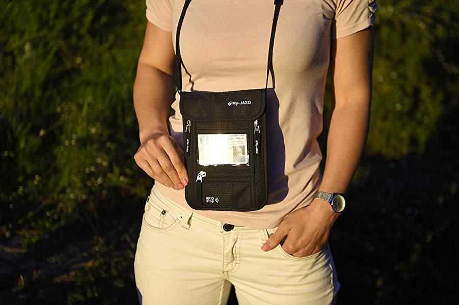 5 bolsas pequeñas de seguridad para llevar tus documentos importantes cuando viajas