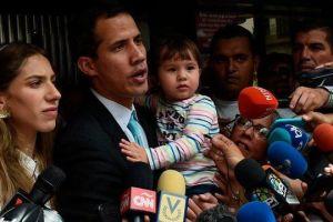 Demócratas acusan de hipocresía a Trump por negar asilo a venezolanos